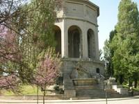 """""""Rione Giardino"""" alrededor del acueducto monumental de Ferrara, una zona dedicada a los niños de todas las edades."""