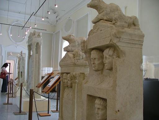 Museo Arqueologico: El Sepulcro de los Fadieni