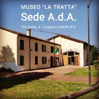 Situato dal 1988 in una casa colonica settecentesca con fienile detta La Tratta, il Museo delle tradizioni e della cultura materiale del copparese offre una vasta raccolta di materiali.