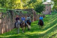 A cavallo sulle mura di Ferrara